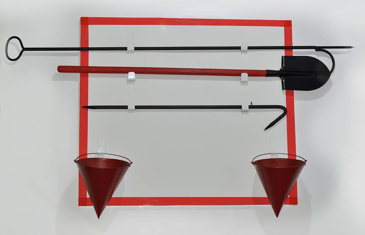Щит пожарный металлический открытого типа с комплектующими